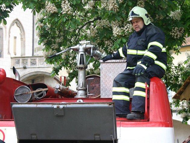 Cvičení hasičů na hradě Křivoklátě