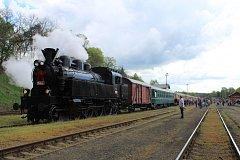 Muzeum Českých drah v Lužné u Rakovníka zahájilo letošní sezonu velkolepou akcí, lokomotivy přilákaly mnoho lidí.