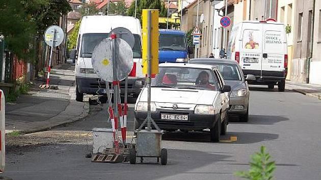 Oprava plynovodu ve Vladislavově ulici v Rakovníku