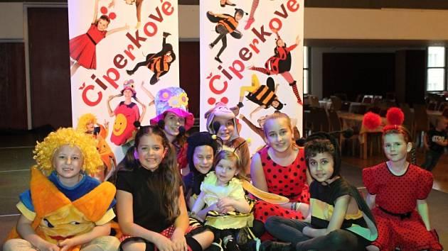 Několik stovek dětí, rodičů i prarodičů si užilo vystoupení Čiperků v Kulturním centru Rakovník.