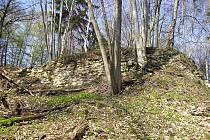 Valy kamení - zřícenina hradu Džbán