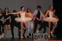 Závěrečné vystoupení tanečního oboru ZUŠ Rakovník v Tylově divadle v Rakovníku v roce 2019.