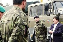 Ministr obrany Alexandr Vondra navštívil rakovniký prapor