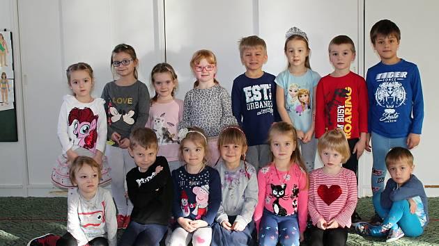 Emanuely vedou učitelky Mirka Hamouzová a Vlasta Trousilová.