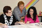 Volby v devátém okrsku v DDM v Čermákových sadech.