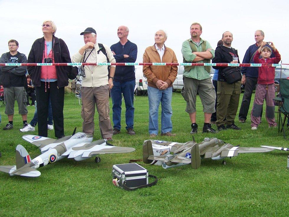 Narozeniny Oldřicha Endyše oslavili na leteckém dnu v Pavlíkově