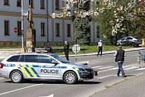 Policejní vyšetřování po střelbě u Okresního soudu v Rakovníku.