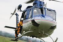 Vrtulník měl opět práci