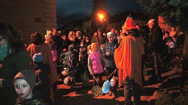 Halloweenský průvod Rakovníkem.