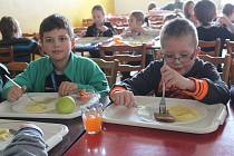 V jídelně Základní školy v Novém Strašecí