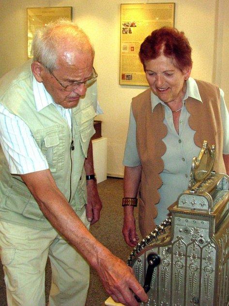 Muzeum dr. B. Horáka zaplnily v rámci nové výstavy staré pokladny.