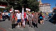 Řazení na Václavském náměstí před průvodem Prahou.