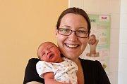 EVA ZÁBRANSKÁ z Nezvěstic se na sále rokycanské porodnice narodila 8. dubna. Přišla na svět 53 minut po půlnoci. Manželé Hana a Pavel, kteří mají doma prvorozeného syna Pepíčka (2,5 roku), věděli dopředu, že si domů ponesou slečnu. Váha 3120 g, 48 cm.