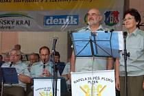 KAPELA 35. pěšího pluku z Plzně koncertovala v sobotu návštěvníkům liblínských slavností. Muzikantům tleskali i uživatelé Domova sociálních služeb, v jehož areálu se akce za spoluúčasti Plzeňského kraje konala.