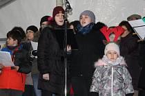 Pásmo koled u vánočního stromu v Litohlavech