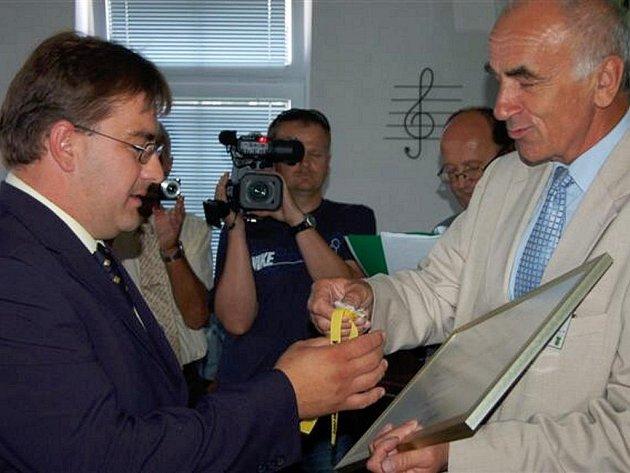 V pátek se uskutečnilo ve Zvíkovci vyhlášení výsledků krajského kola soutěže Vesnice Roku 2009.