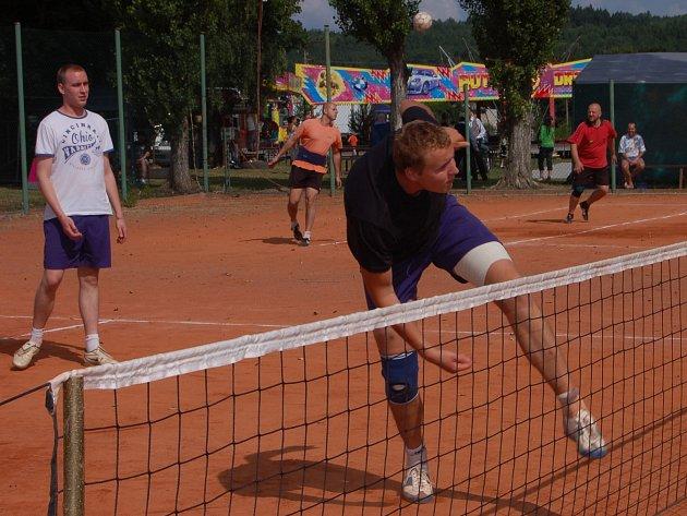 V Kornaticích nechyběl tradiční turnaj v nohejbale.