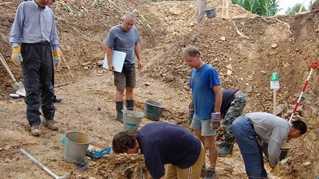 Důkladný výzkum území nedaleko Radnic má přívlastek mezinárodní. Pozůstatky prahistorické sféry tu hledali Čínané, Nizozemci i badatelé z dalších zemí.