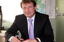 Předsedou nového představenstva Kovohutí Rokycany se v souvislosti se změnami  vlastníka, jímž je nyní společnost Rosso Steel, stal Josef Šmíd (na snímku). V  čele  dozorčí  rady  stojí  jeho  otec.