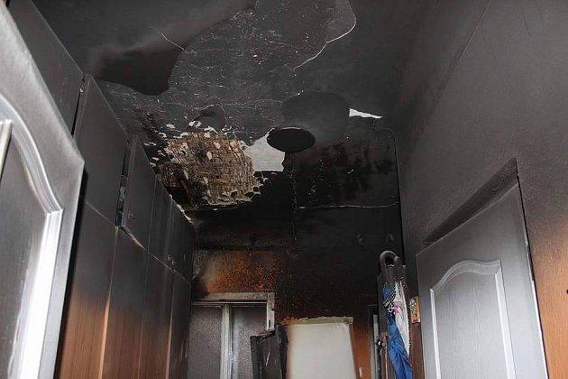 Požár v bytě na Masarykově náměstí měl pro rodinu smutné důsledky.