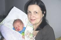 František LIŠKA z Mirošova bude mít v rodném listu datum narození 29. ledna. Tři bratři, Pepa, Tomáš a Michal, se radují z brášky Františka, který se narodil manželům Miladě a Josefovi Liškovým. Františkovy porodní míry byly 2780 gramů a 48 cm.