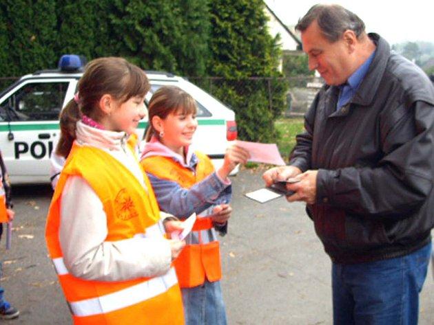 Čtvrťáci a páťáci v Holoubkově a Mýtě se zapojili do preventivní akce Jezdíme s úsměvem.