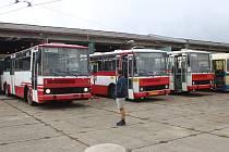 Muzeum dopravy ve Strašicích hostilo při dalším Dni otevřených vrat i autobusy z Plzně.