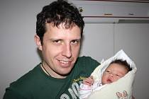Anna KUBALÍKOVÁ z Rokycan si poprvé zakřičela na sále rokycanské porodnice 10. dubna. Narodila se v osm hodin a třicet tři minut ráno.Anička přišla na svět s mírami 3750 gramů a 49 cm.