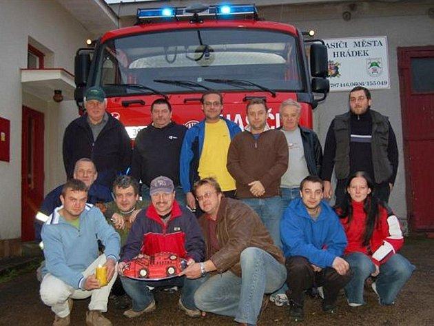 Hasiči z Hrádku oslavili 1. narozeniny auta.