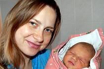 Dominik Koželoužek z Hrádku se narodil 16. září ve 22 hodin a 46 minut. Vážil 4100 gramů a měřil 54 centimetrů. Maminka Eva a její přítel Jan, který byl přítomen u porodu, věděli, že jejich první děťátko bude chlapec.