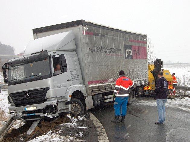 Nehoda kamionu u Ejpovic.