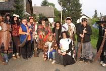 Na filpojakubskou noc bylo ve Skořicích živo. Postaraly se o to členky místního svazu žen.