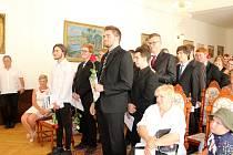 Slavnostní vyřazení studentů SŠ Jeřabinová v obřadní síni radnice