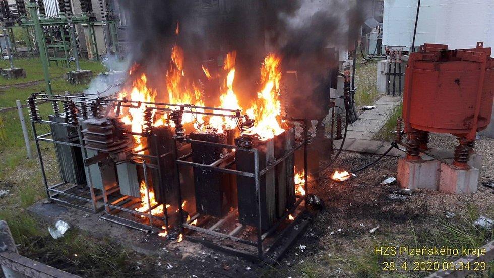 Požár trafostanice v Hrádku u Rokycan