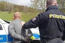 Policisté zadrželi řidiče, který ujížděl policistům z Německa až na Rokycansko.