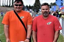 Martin Drechsel (vlevo) a Radek Šilhánek jsou tahouny fotbalových turnajů pro ty nejmenší. Venkovní podniky ale museli zatím odpískat.