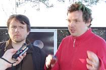 Filip Remunda a Vít Klusák (zleva) natáčeli komedii o radaru tři roky, a to na 150 místech.