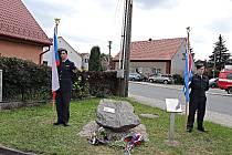 Pamětní deska Viktora Waidlicha na Břasích