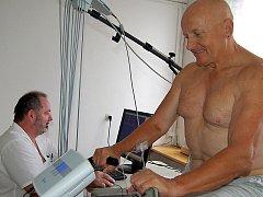 Bicyklový ergometr patří mezi nové přístroje v Rokycanské nemocnici, a.s.