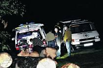 Nedaleko Mýta zasahovali pražští kriminalisté. Na místě byly nalezené mrtvoly vietnamského páru.