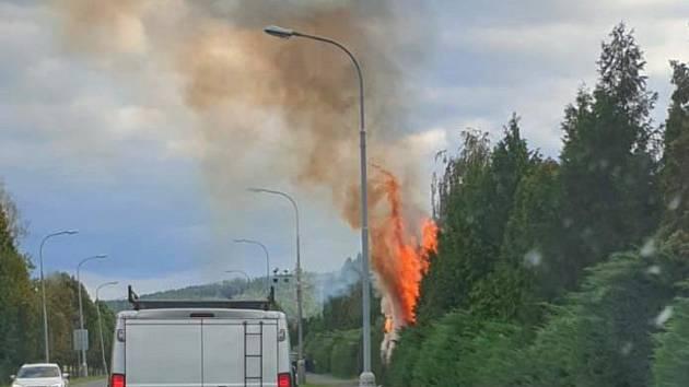 Čtvrteční požár u rodinného domu na Tymákovské ulici.