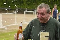 Desetistupňové pivo a hlavně jeho pěna potrápila soutěžící při jedné z disciplín.