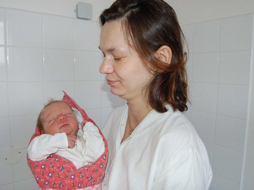 Eliška Chvojková, Radnice. Dvouletý Jiřík má sestřičku. Jmenuje se Eliška a manželům Petře a Josefovi se narodila 8. dubna v 5.30 hodin. Malá princezna měřila 52 cm  a vážila 3600 gramů.