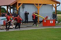 BORCI Z NEVIDA vyhráli o víkendu okresní soutěž v požárním sportu. Nejprve museli splnit 4x100 metrů štafety, 100 m překážek a poté se vrhli na požární útoky. Totéž se týkalo žen.
