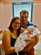 LILIEN ŠMÍDOVÁ se narodila 30. srpna v 6:23 hodin mamince Michaele a tatínkovi Tomášovi z Mirošova. Po příchodu na svět v plzeňské FN vážila jejich prvorozená dcerka 3150 gramů a měřila 49 cm.