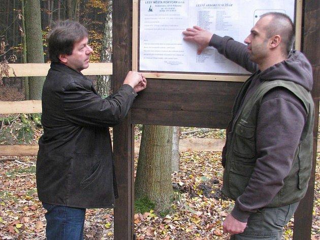 Nové lesní arboretum Žďár je darem Lesů Rokycan v jubileu města.