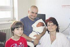 Jaroslav HANZLÍČEK z Domaslavi u Tachova se narodil v rokycanské porodnici 11. března v 9 hodin a 33 minut. Manželé Radka a Jaroslav znali pohlaví miminka dopředu. Malý Jaroušek vážil při narození 3720 gramů, měřil 50 cm.