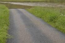 Zatopená cesta - ilustrační foto