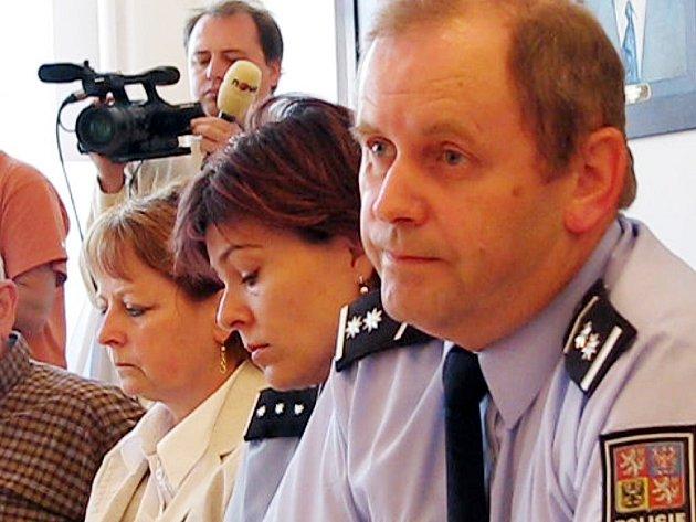 Ředitel rokycanské policie informoval včera při setkání na radnici, jak vypadá vyšetřování  incidentu v Uralu. Mluvilo se i o dalším.