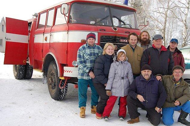 Premiéru měla včera v Trokavci funkční hasičská stříkačka. Zdejší sbor ji získal od přátel z Hrádku.